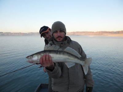 le w end du 11 et 12 decembre peche a la simmone avec 2 potes ( environ 20 poissons sandres et perches )le +gros 68cm