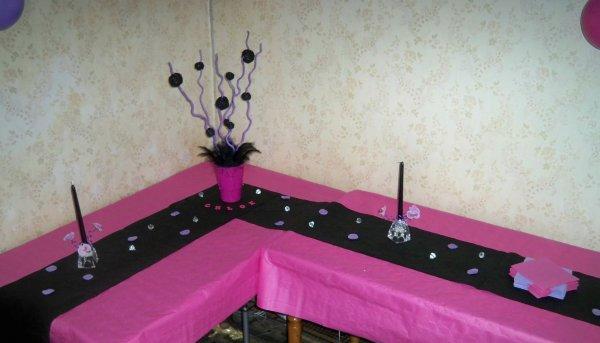 anniversaire de ma belle soeur Chloé (octobre 2012) couleurs rose fushia,  parme, noir