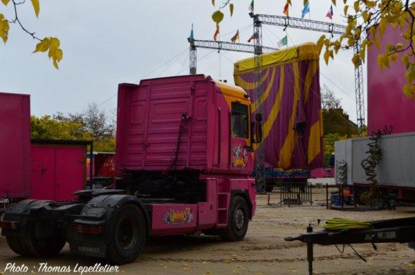 Le montage du cirque de St Petersbourg à Cherbourg !