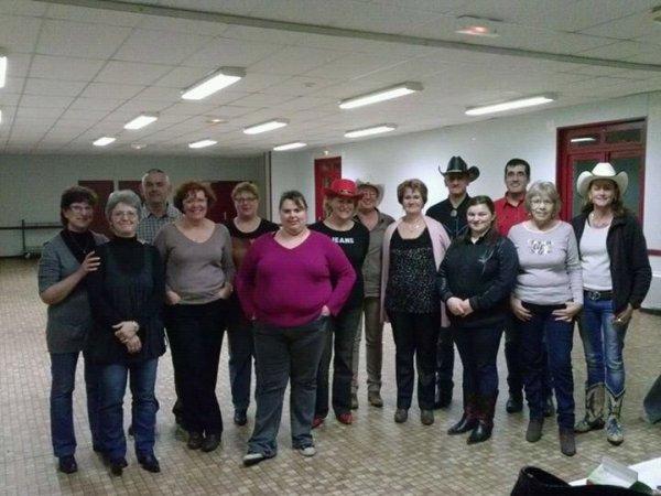 Photo de groupe et du club country de Normandel