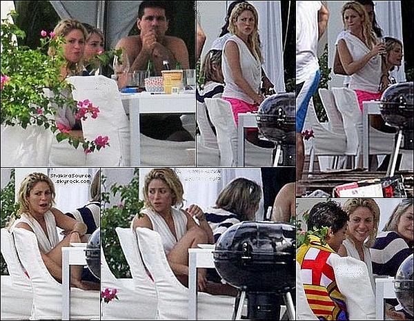 🎤 Shakira a donné un « Concert » pour le Rock in Rio. 3o Septembre 2011 - Rio de Janeiro, Brésil.