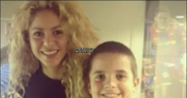 ⚽ Shakira est allée au « Camp Nou ». o5 Octobre 2o13. Barcelone - Espagne.