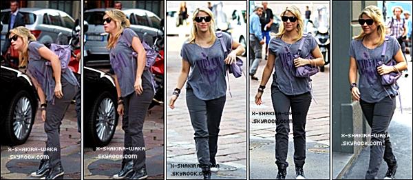 🚶 Shakira a été vue « Rentrant à son Hôtel ». o8 Septembre 2012, Milan - Italie.