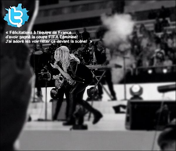 🎤 Shakira a chanté lors de la finale de la « Coupe du Monde de Football Féminin ». 13 Octobre 2012, Baku - Azerbaïdjan.