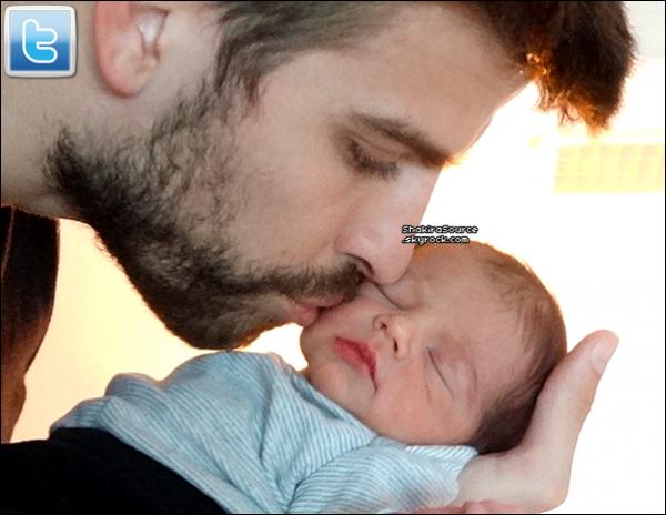 📷 Shakira a posté une photo de « Gérard & Milan ». o4 Février 2o13, Barcelone - Espagne.
