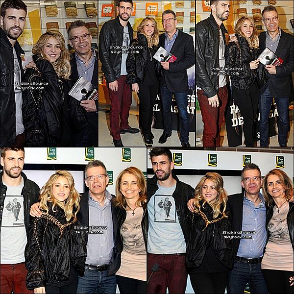 ✴️️ Shak & Gérard étaient à la librairie « Casa del Libre » pour le lancement du livre du père de Gérard. 23 Mars 2o13, Barcelone - Espagne.