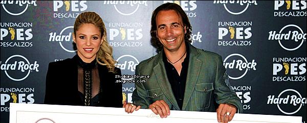 📷 Shakira a souhaité la « Fête des Pères » à Gérard. 16 Juin 2o13, Beverly Hills - Etats-Unis.