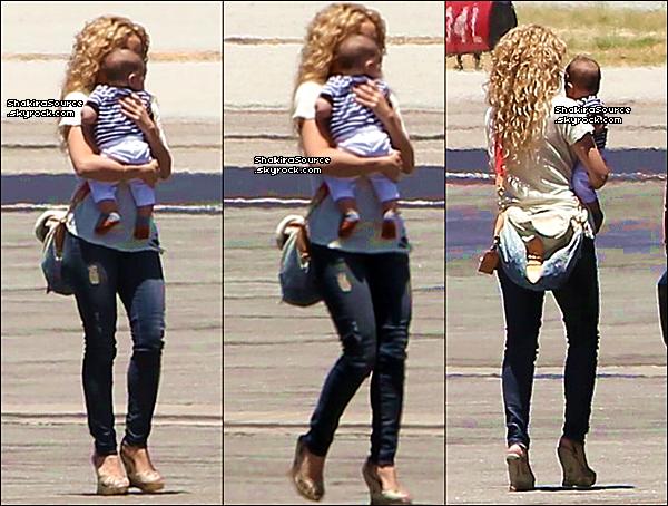 ✈️ Shakira & Milan ont pris un « Jet Privé » pour se rendre à Rio de Janeiro. 19 Juin 2o13, Los Angeles - Etats-Unis.