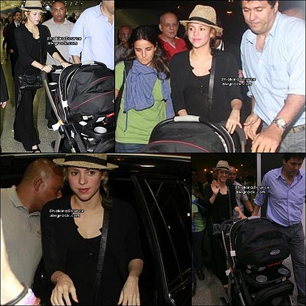 ✈️ Shakira, Tonino & Milan ont été vus à « L'Aéroprot de Rio de Janeiro ».  o1 Juillet 2o13. Rio de Janeiro - Brésil.
