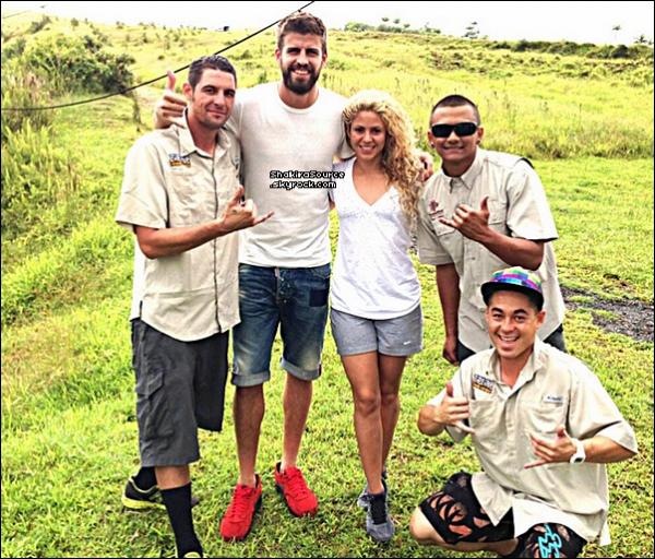 🌴 Shakira & Gérard ont été vus sur une « Plage ». 23 Juillet 2o13. Hawaï - Etats-Unis.