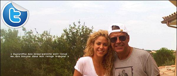 📷 Shakira a posté des photos de « de Milan & Gemma Piqué ». 18 Août 2o13. Céret - France.