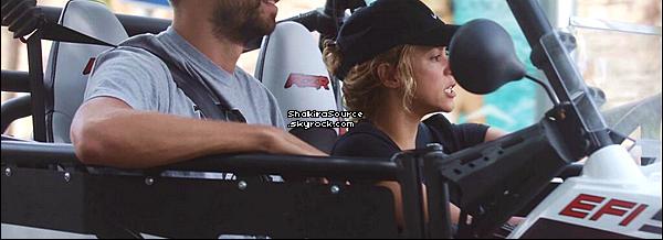 📷 Shakira était sur le « Tournage de Oral-B ». 25 Août 2o13. Sant Adrià de Besòs - Espagne.