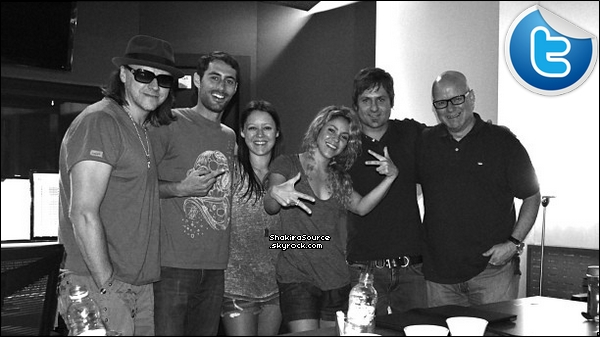 🎤 Shakira, Gérard & Milan sont allés à « L'Anniversaire de William Mebarak ». o6 Septembre 2o13. Barcelone - Espagne.