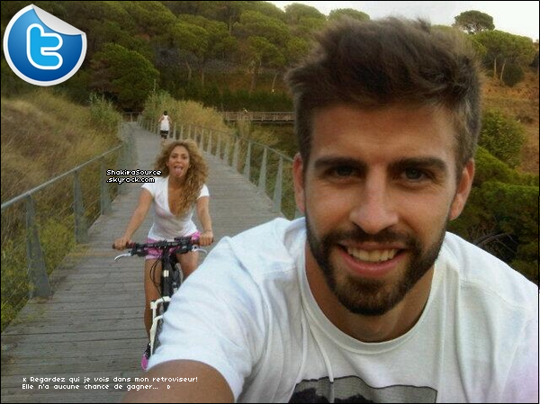 🍴 Le soir, Shakira & des amis sont allés « Dîner au Restaurant ». 1o Septembre 2o13. Barcelone - Espagne.