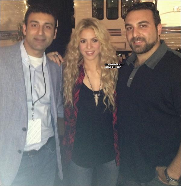⚽ Shakira & Robinson Cano ont été vus au « Camp Nou ». 26 Octobre 2o13. Barcelone - Espagne.