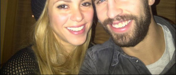 ✈️ Shakira a été vue à « LAX Airport ». o3 Décembre 2o13 - Los Angeles, Etats-Unis.