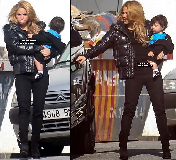 🎤 Shakira, Milan & la Nounou ont été vus quittant des « Studios d'Enregistrement ». 16 Décembre 2o13 - Barcelone, Espagne.
