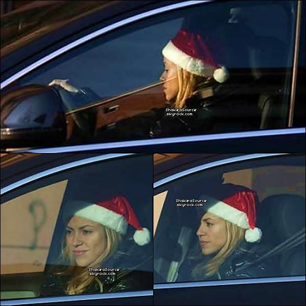 🎤 Shakira s'est rendue au « Studios d'Enregistrement ». 15 Décembre 2o13 - Barcelone, Espagne.