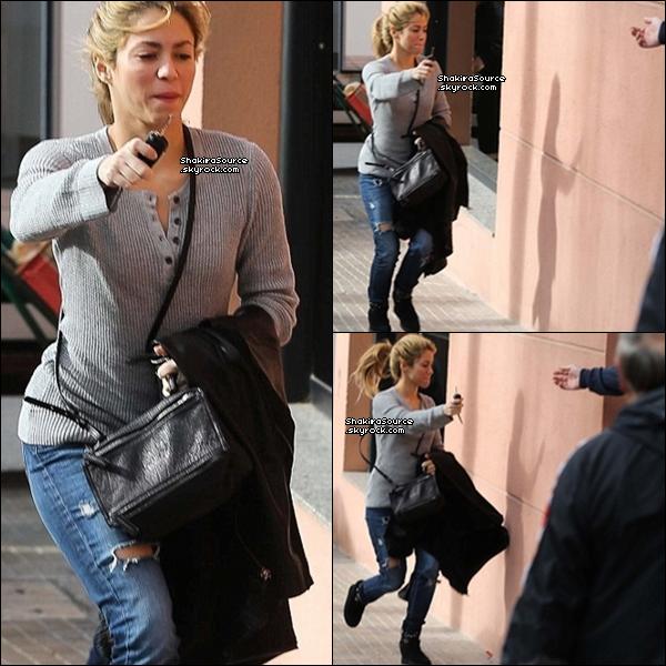 🎤 Shakira était dans les « Studios d'Enregistrement ». o9 Janvier 2014 - Barcelone, Espagne.