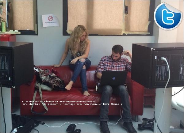 🎤 Shakira était dans les « Studios d'Enregistrement ». 13 Janvier 2014 - Barcelone, Espagne.