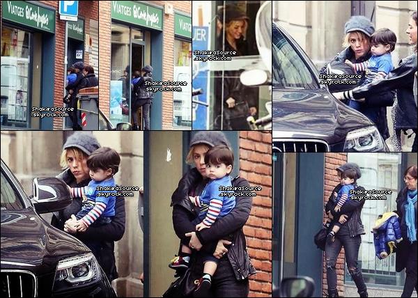 🏠 Puis, Shakira, Gérard & Milan sont allés dans une « Agence de Voyage ». o3 Février 2014 - Barcelone, Espagne.