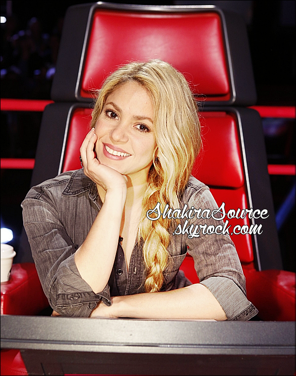 📷 Shakira était sur le « Plateau de The Voice ». o6 Mai 2014 - Los Angeles, Etats-Unis.
