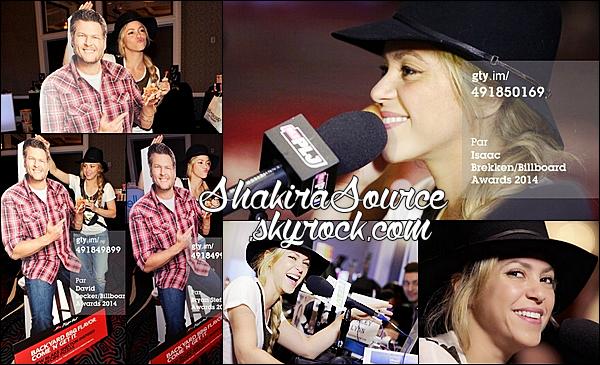 🎤 Shakira a rendu visite à la « Radio PLJ 95.5 ». 17 Mai 2014 - Las Vegas, Etats-Unis.