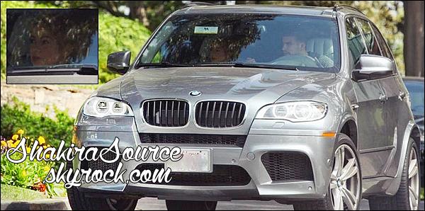 🚘 Shakira & Gérard ont été vus en voiture dans les « Rues de Los Angeles ». 21 Mai 2014 - Los Angeles, Etats-Unis.