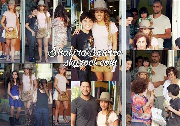 🍨 Shakira, Gérard & Milan sont allés « Manger une Glaçe ». 27 Juin 2014 - Miami, Etats-Unis.