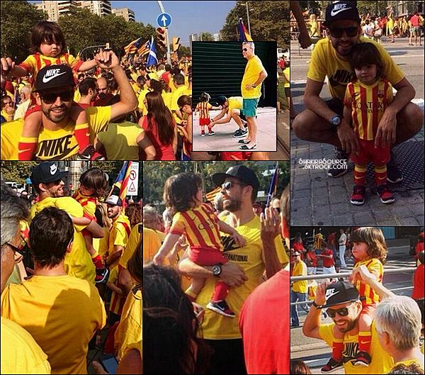🎉 Gerard, Milan & Joan, sont allés dans les rues de Barcelone pour la fête de la Catalogne.  09 Septembre2014, Barcelone.