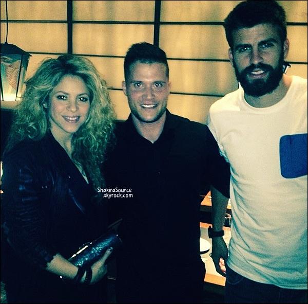 🏥 Tonino a accompagné Shakira à la Clinique d'Esthétique Casellas.  16 Octobre 2014, Barcelone