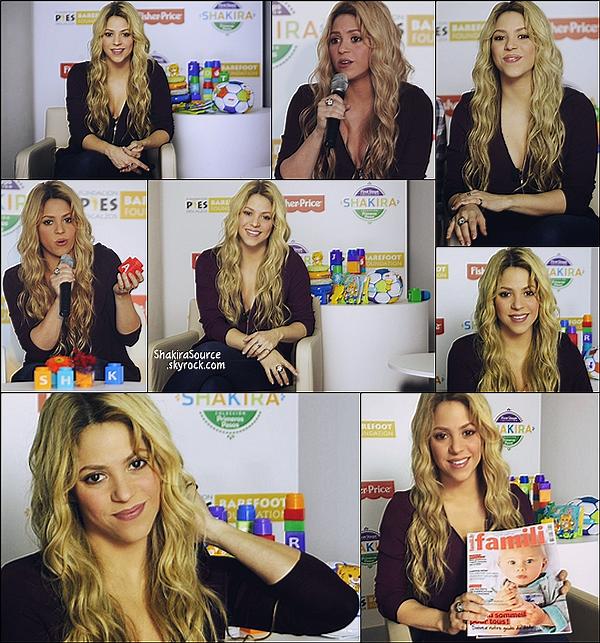 🐩 Shakira était à l'Hôtel W pour le lancement de sa ligne de jouets avec la marque Fisher-Price.   27 Octobre 2014, Barcelone.