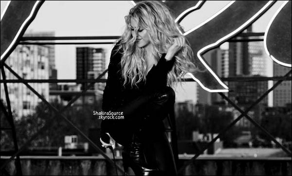 🎄 Shakira a publié une photo de leur crèche de Noël.  05 Décembre 2014. Barcelone, Espagne.