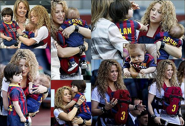 ⚽ Shakira, Milan & Sasha et sa belle-mère Montserrat sont allés encourager Gérard au stade du « Camp Nou ». 18 Avril 2o15. Barcelone, Espagne.