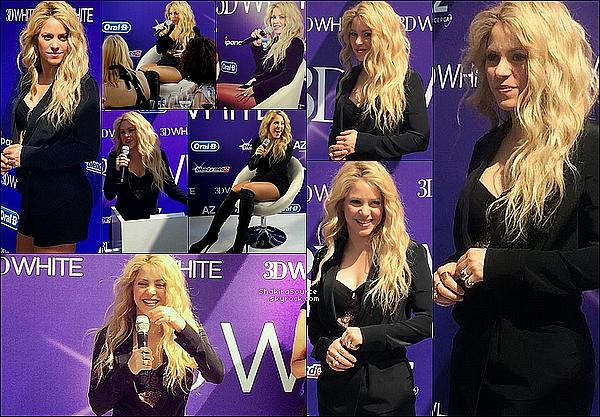 🎤 Shakira était à une « Conférence de Presse » pour le lancement de la gamme 3D WhiteStrips de la marque de dentifrice Oral-B. o9 Mai 2o15. Barcelone, Espagne. Tenue: Shakira porte des Bottes Christian Louboutin.