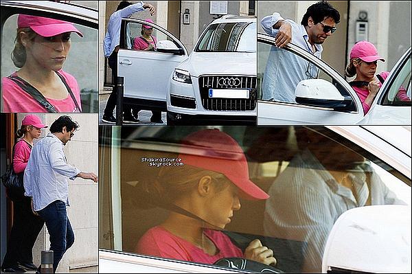 🏥 Tonino a emmené & récupéré Shakira à la « Clinique Casellas ». 27 Mai 2o15. Barcelone, Espagne.