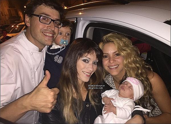 🎥 Shakira était sur le « Tournage d'une Publicité ». o8 Octobre 2015 - Tossa de Mar, Esapgne.