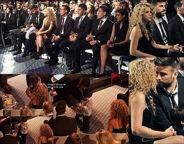 🏆 Shakira, Gerard & Milan ont assisté au « Catalonian Football Federation Award » où Gerard a reçu le prix du Meilleur Joueur Catalan de l'Année. 09 Novembre 2015 Barcelone - Espagne.