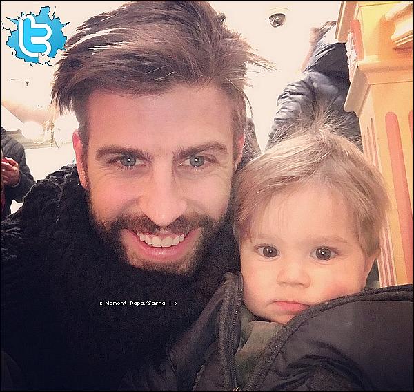 📷 Gérard a posté une photo de « Lui & Sasha ». 23 Décembre 2015 - Paris, France.