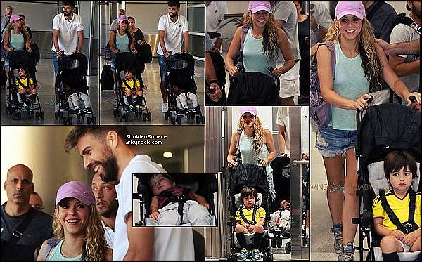 🚶 Shakira, Gérard, Milan & Sasha ont été vus à « L'Aéroport de Miami ». o6 Juillet 2016 Miami - Etats-Unis.
