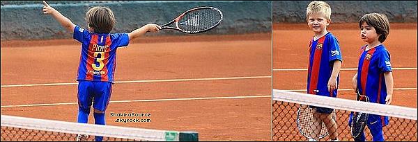 🎾 Puis, Shakira est allée à son « Cours de Tennis »  avec Tonino & Milan. 11 Septembre 2o16 - Barcelone, Espagne.