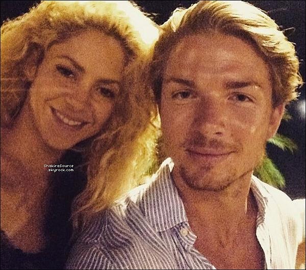 🍴 Shakira & Gerard sont allés « Dîner au Restaurant » . 14 Septembre 2o16 - Barcelone, Espagne.