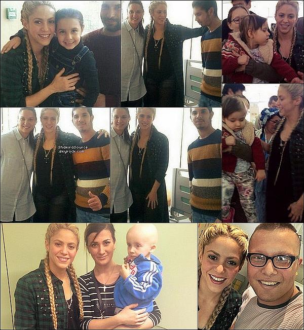 ⚽ Shakira & son amie Kathy Koop ont été vues au « Camp Nou Stadium ». o4 Février 2o17 - Barcelone, Espagne.