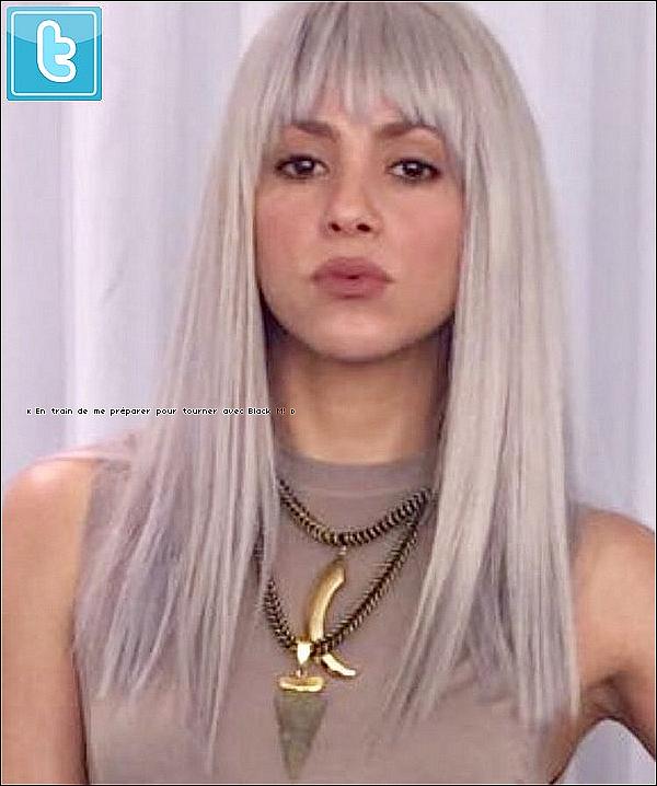 🎾 Shakira a été vue prenant un « Cours de Tennis ». 27 Février 2o17 - Barcelone, Espagne.