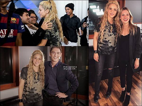 ⚽ Enfin, Shakira est allée voir un match du FC Barcelone au « Camp Nou »  avec la gagnante du Concours Chantaje (le #ChantajeChallengeContest). o6 Mai 2o17 - Barcelone, Espagne.