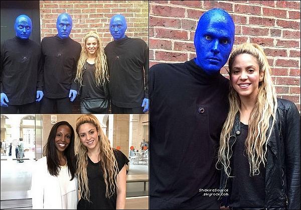 🎭 Shakira, Gérard, Milan & Sasha sont allés au théâtre « Charles Playhouse »  pour voir une représentation du groupe Blue Man Group. o2 Juin 2o17 - Boston - Etats-Unis.