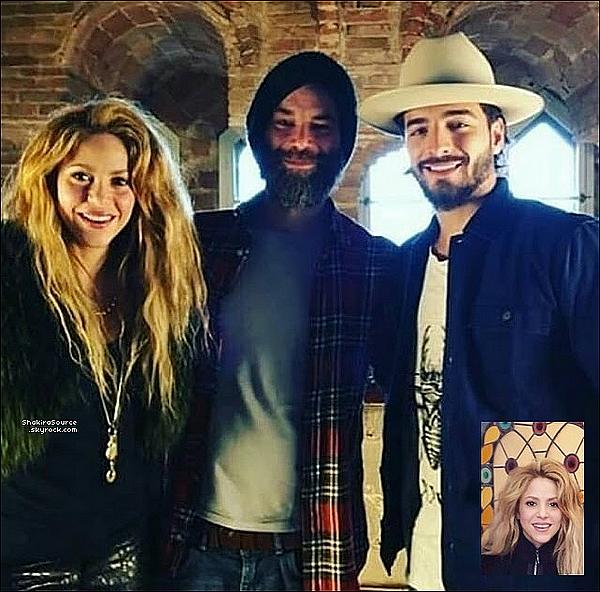 📷 Shak & Maluma étaient à « La Torre Bellesguard » pour faire des photos pour le magazine Billboard. o6 Avril 2o18 - Barcelone, Espagne.