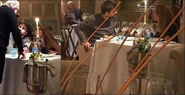 🍴 Shakira & Gérard ont été vus lors d'un « Dîner au Restaurant ». 15 Novembre 2o18 - Barcelone, Espagne.