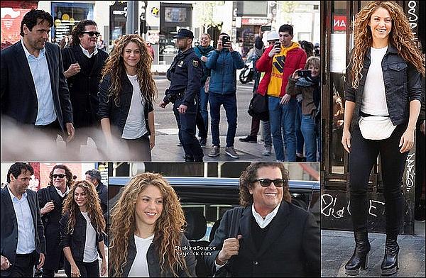 📷 Shakira a posté une « Photo d'Elle & Anna Kaiser ».  17 Avril 2o19 -  Barcelone, Espagne.