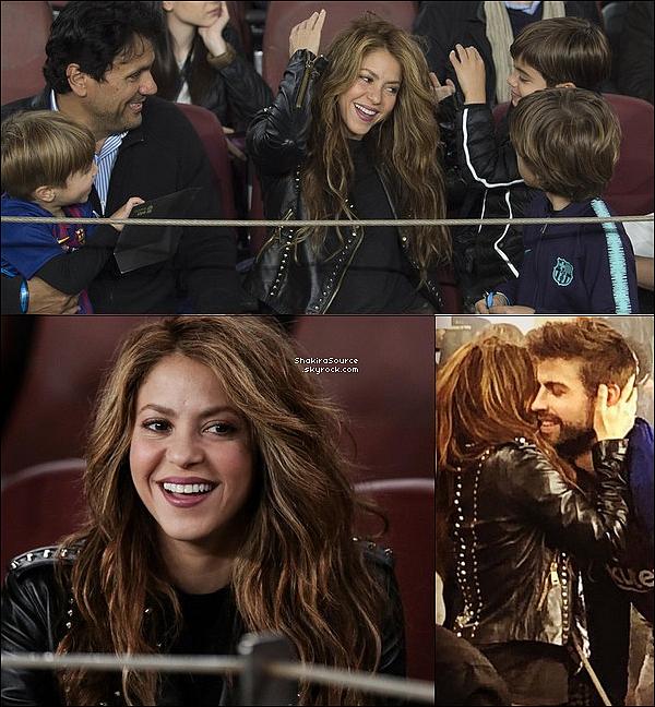 🎇 Le soir, Shakira & les femmes des autres footballeurs du FC Barcelone se sont réunies au « Blue Spot Restaurant » afin de fêter le Titre du FC Barcelone. Il semblerait toutefois que la rivalité qui existait entre Shakira & Antonella Roccuzzo (Epouse de Leo Messi) soit un lointain souvenir. 27 Avril 2o19 -  Barcelone, Espagne.